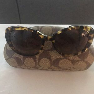 Coach sunglasses great condition with case